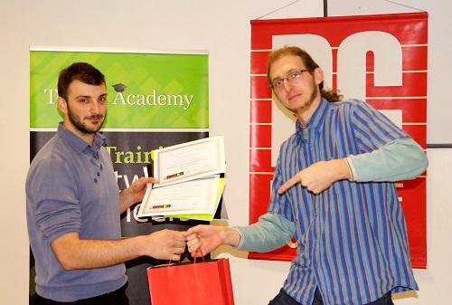 Павел Колев получава награда от PC Magazine
